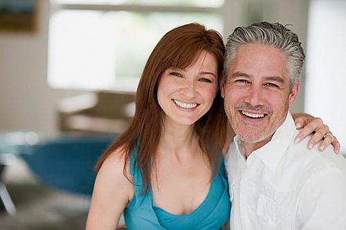 kontaktannonser på nett eldre damer søker yngre menn