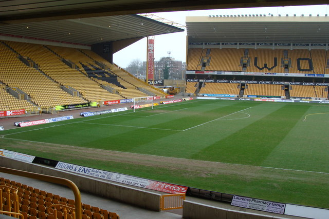 Molineux_Stadium_between_matches_-_geograph.org.uk_-_1182042