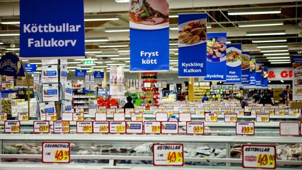 Dagligvarekjedene taper mot Sverige