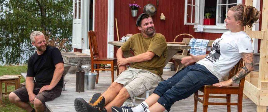 Farmen-utfordrerne setter fyr på teltet …