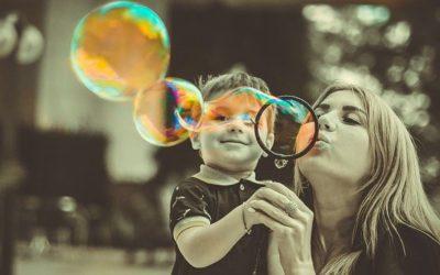 Skiller du på å være bestevenn og en god forelder?