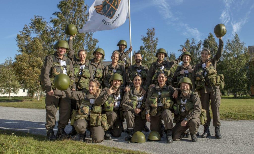 Her er de 14 deltagerne som skal kjempe om ære og berømmelse i Kompani Lauritzen