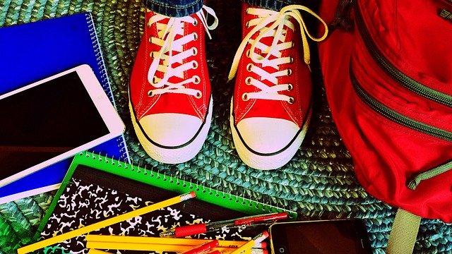 Å være russ er en ting, å være jenteruss, med røde sko, hakket verre,
